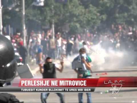 Përleshje gjatë protestës Mitrovicë  - News, Lajme - Vizion Plus
