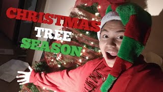 PUTTING UP MY CHRISTMAS TREE!!!(VLOG 1)