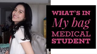 WHAT'S IN MY BAG 2018 INDONESIA | Clarin Hayes
