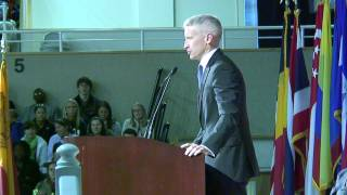 Anderson Cooper speaks to Elon community about experiences, current state of the media