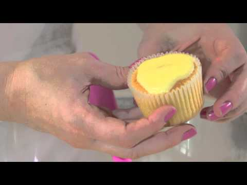 How To Make WHITE CHOCOLATE AND LEMON CUPCAKES With Lisa Marley | Recipe