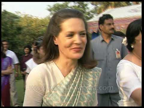 Sonia Gandhi parties at Najma Heptullah's house, with Mala Singh and Margaret Alva