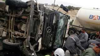izmir otobanın da kaza yapan kamyondan sürücü çıkarılamadı 1 mart 2014