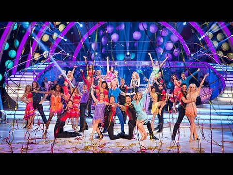 Strictly 2015: Celebrities first group dance!