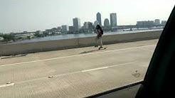 TESLA AutoPilot 🚗 vs. SKATEBOARDER on I95 Jacksonville, FL