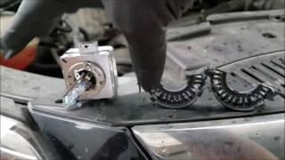 2009 VW Volkswagen Tiguan HID Bulb Replacement