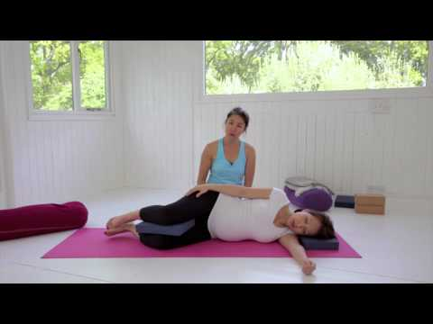 pregnancy:-tips-for-better-sleeping-positions-|-deanne-liew-|-online-yoga-|-movement-for-modern-life
