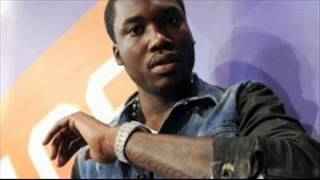 The truth behind Meek Mill sister dissing him