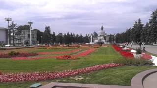 Видео прогулки по...Парки Москвы. ВДНХ(Видео прогулки по...Парки Москвы. ВДНХ ВДНХ - Выставка была открыта 1 августа 1939 года. Ее название менялось..., 2015-07-09T11:11:08.000Z)
