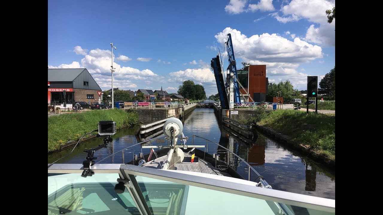 The Kanaal Dessel Turnhout Schoten in Flandern/Belgium with  Free Spirit in July 2016