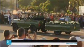 موكب كاسترو الجنائزي يعبر كوبا في الاتجاه المعاكس لطريق الثورة