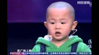 중국 3살 소년의 놀라운 광장춤