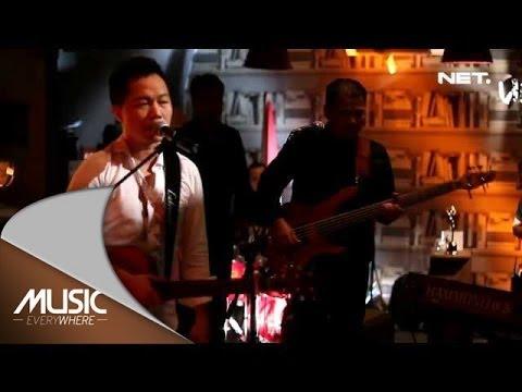 Free Download Music Everywhere - Sandhy Sondoro - Bunga Mimpi - Youtube Exclusive Mp3 dan Mp4