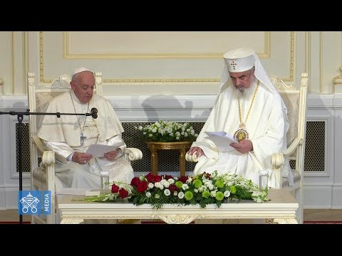 Orthodox Patriarch Daniel warmly receives the pope, despite many thorny issues