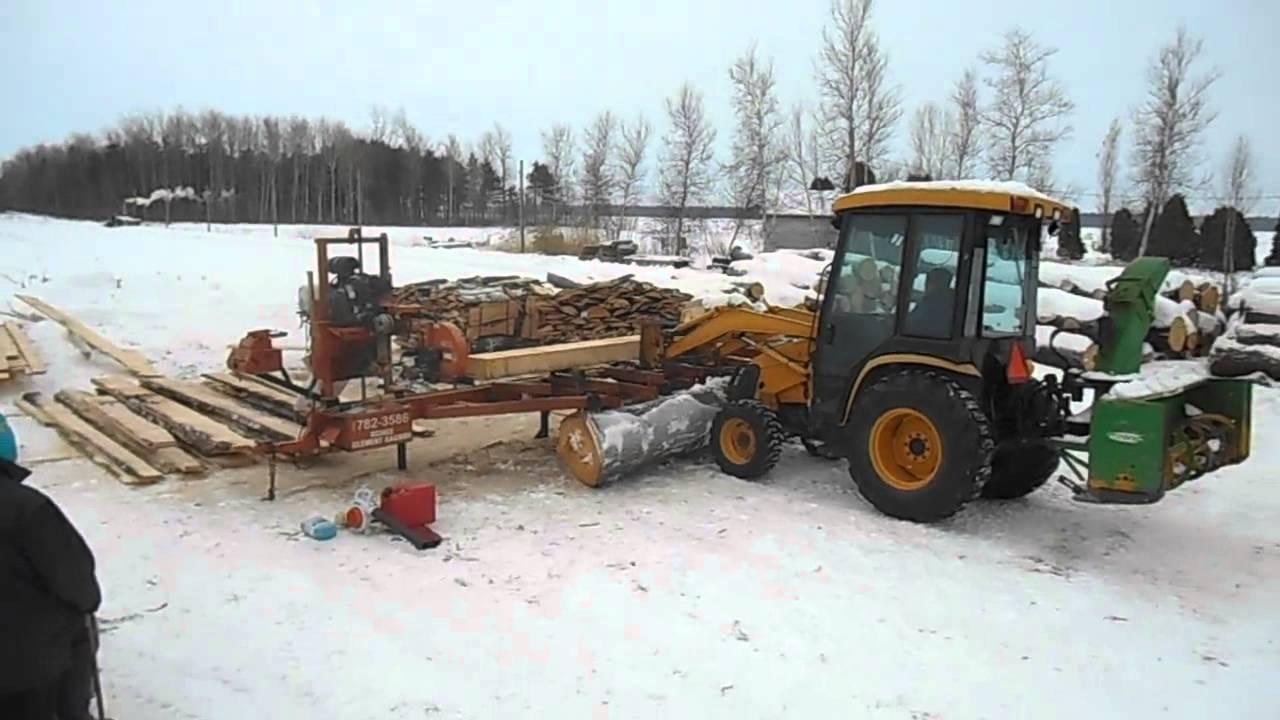 Sciage De Bois A Domicile - sciage de billots de bois avec moulin portatif wood mizer poutres et madriers YouTube