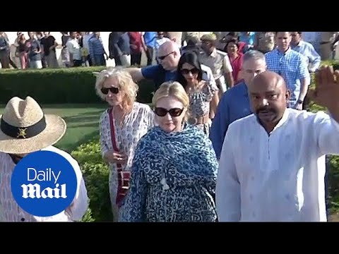 Hillary Clinton tours Jantar Mantar monument on India trip - Daily Mail