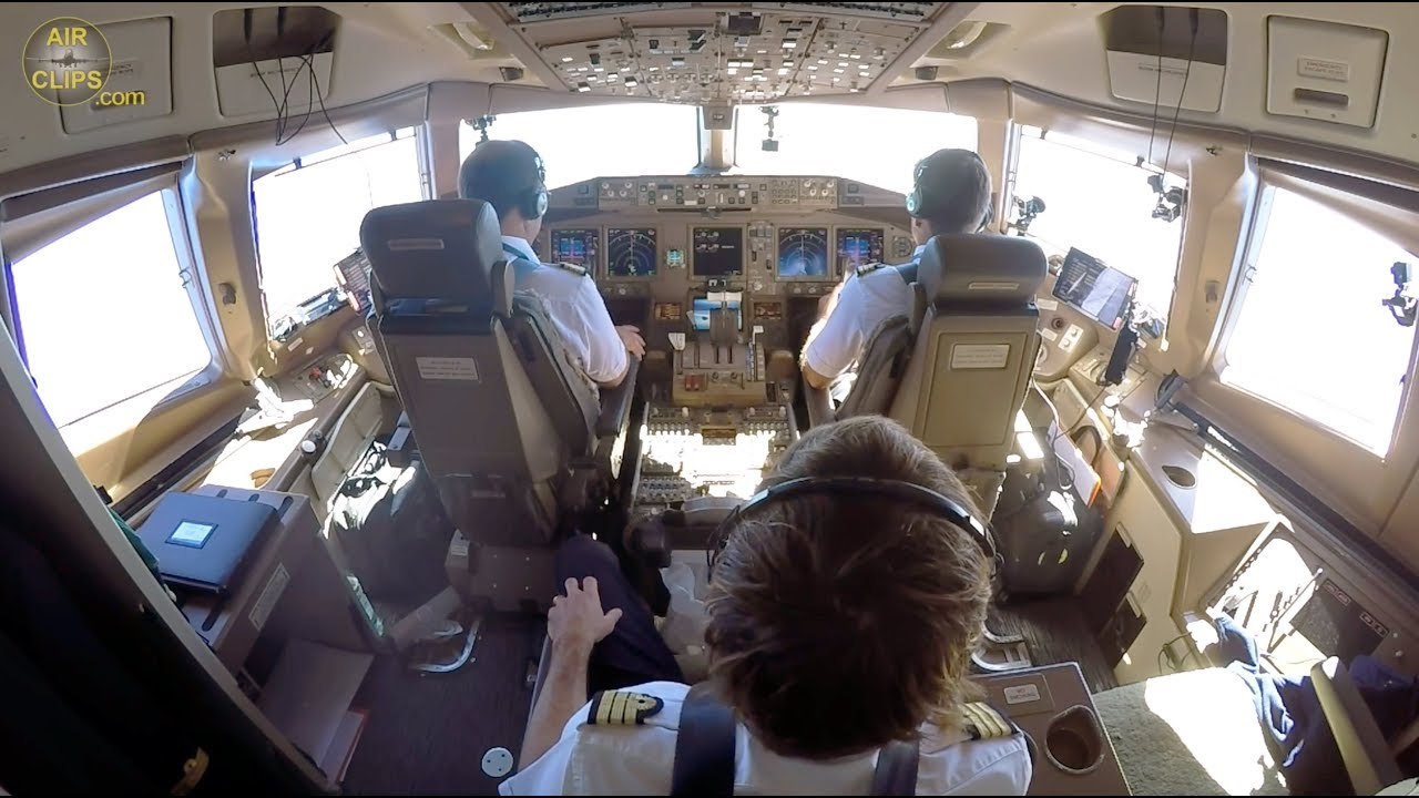 TOP PILOTS! B777-300 ULTIMATE COCKPIT MOVIE to Paris IMPROVED VERSION [AirClips full flight series]