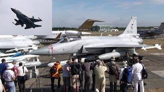 🇵🇰 PAF JF-17 Thunder Landing & Takeoff at Farnborough UK