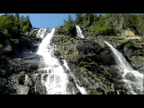 Nardis wodospad waterfall Val Geneve Italy Trentino