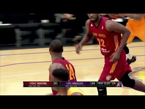 Travis Leslie throws it down vs. the D-Fenders
