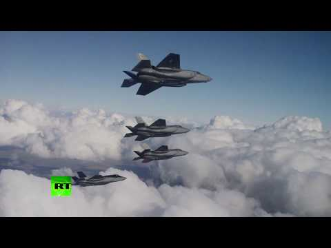 E35 in France: US jets show off amazing stunts at internation air show