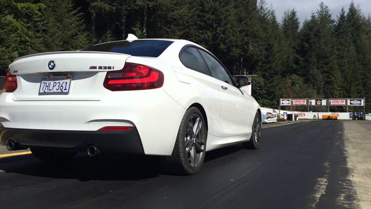 BMW M235i xDrive Coupé Sound Video