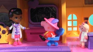 Peppa Pig: Peppa Pig in Doc McStuffins Hospital with Peppa Pig Happy Family and Friends