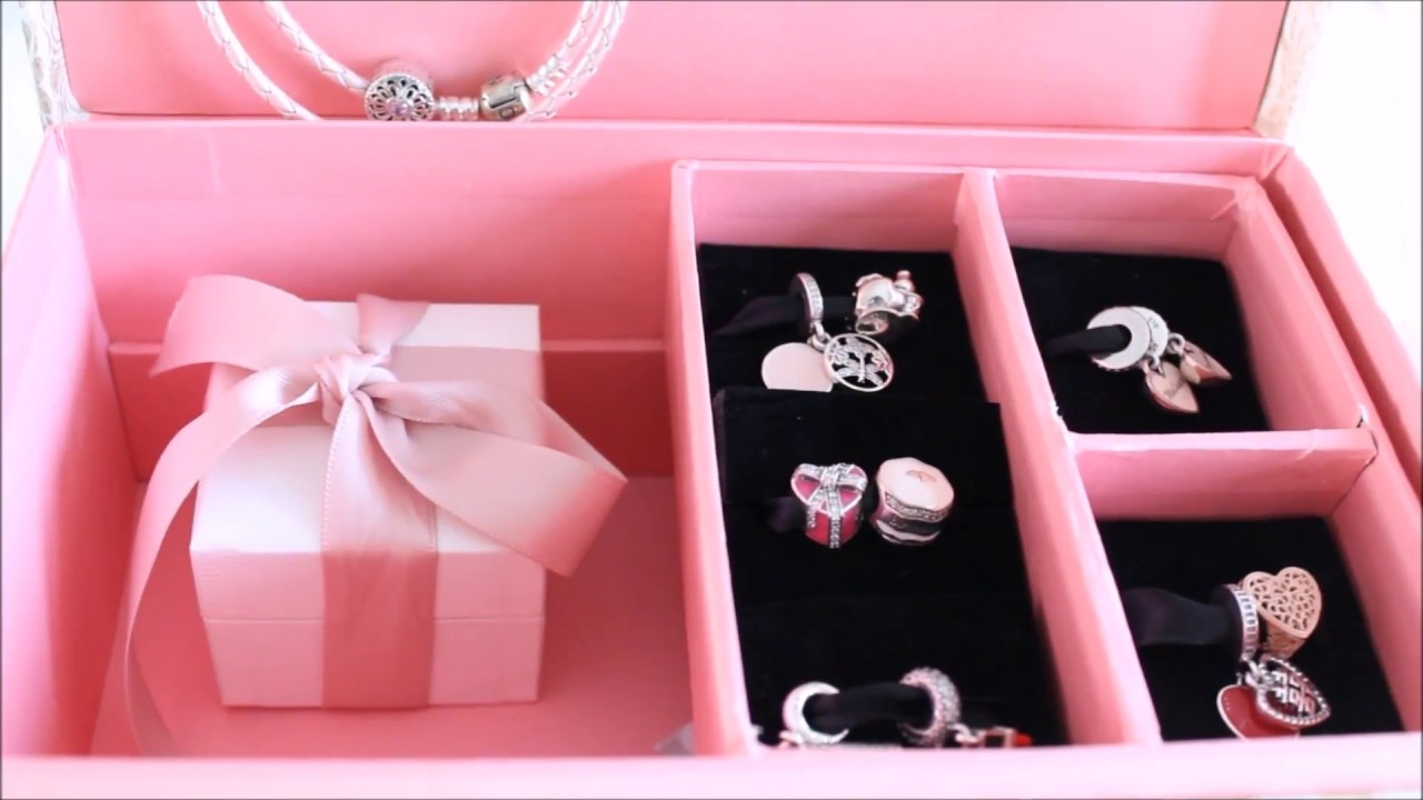 My Christmas charms my fiance bought me from Boulevard Diamonds/ 40 ...