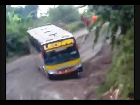 Amazing Drift! Crazy Bus Drives Downhill Through Slippery Road