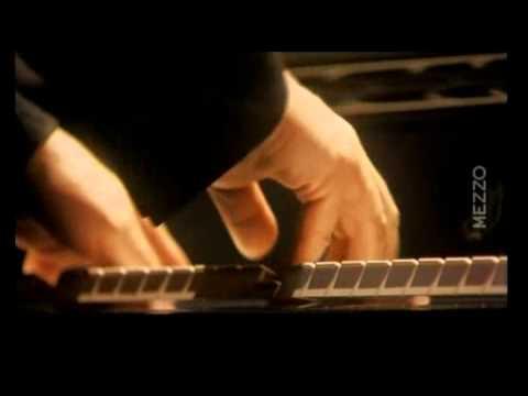 Beethoven Sonata N° 21 'Waldstein'   Daniel Barenboim