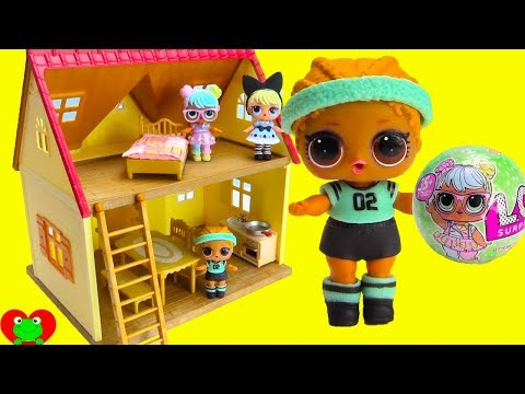 Thumbnail: LOL Surprise Dolls Move Into New House