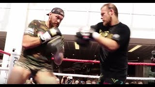 TYSON FURY IN HIS PANTS! - SHOWS HIS RAPID SPEED & POWER (FULL WORKOUT) - WITH TRAINER BEN DAVISON