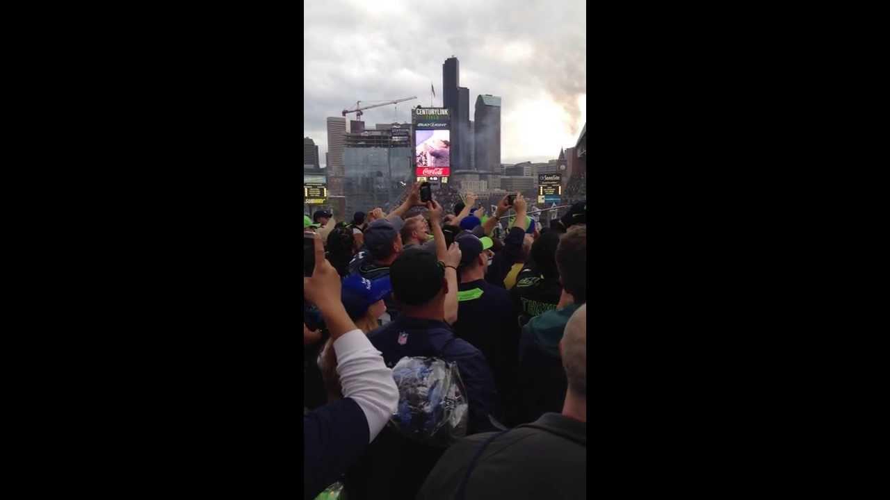 Seattle SF Week 2 Sunday Night Football 12th Man Flag Raising 091513 Shaun  Alexander - YouTube 55435d9e0