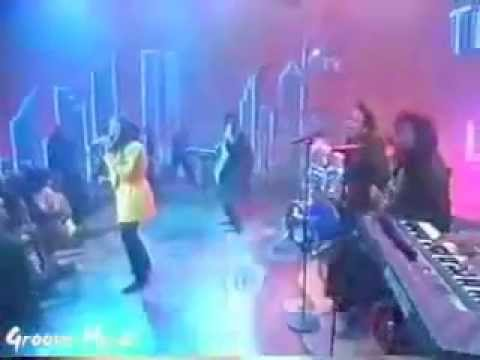 Soul Train 1990' Performance - Lalah Hathaway - Baby Don't Cry!