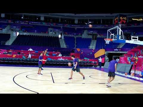 Vasilije Micić vezuje 10 trojki za 30 sekundi #EuroBasket2017