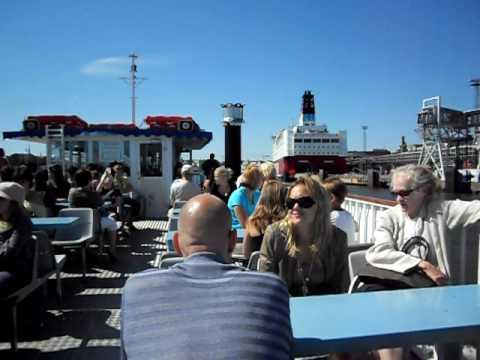 Trip to the Helsinki harbor by Vispila the zoo ship.