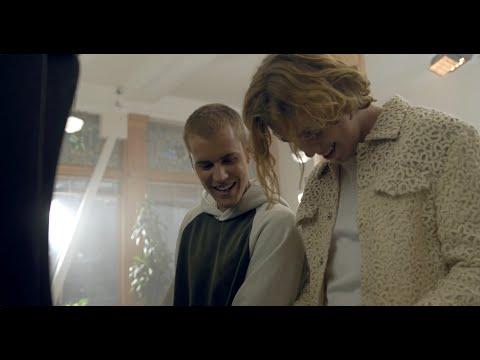 Смотреть клип Justin Bieber, The Kid Laroi - Stay
