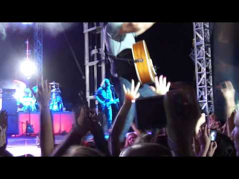 Drunk On You - Luke Bryan @ Farm Tour 10/07/16 from YouTube · Duration:  3 minutes 9 seconds