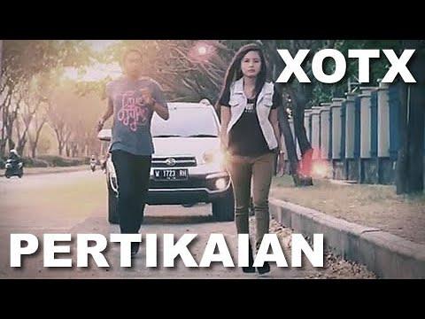 XOTX - Pertikaian