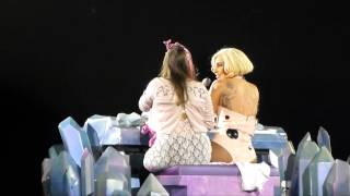 LADY GAGA EMBRACES FAN ON STAGE WHO'S FIGHTING CANCER. LONDON 2014