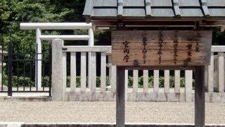 奈良県道183号線のその先 「田原の里」の田んぼの真ん中に一つの陵墓が...