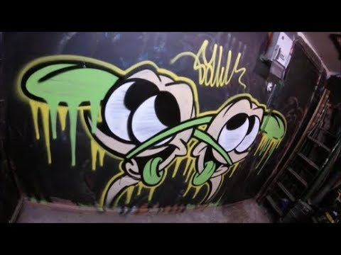 Studio Session / Spray Painting A Graffiti Character #8