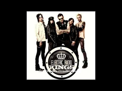 Stacey Blades Electric Radio Kings Guitarist - Chaotic Riffs Interview