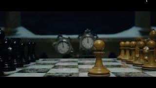 Шерлок Холмс играет в шахматы с Мориарти - Какой первый ход?