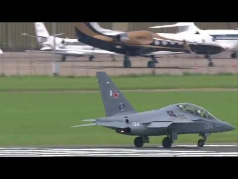 YAKOVLEV YAK 130 (Vidéo officielle Salon du Bourget 2013)