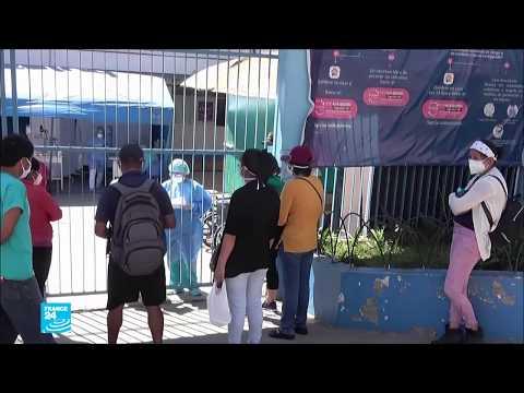 فيروس كورونا: مخاوف في بيرو من انهيار النظام الصحي وتدهور الاقتصاد  - نشر قبل 23 ساعة