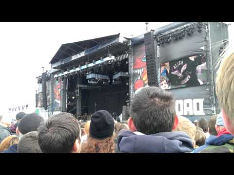 Alice In Chains-Rooster intro- Download Festival 2013 Donington Park
