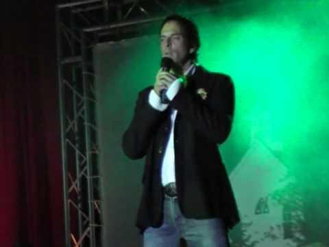 Kevin Tarte - You Raise Me Up - YouTube