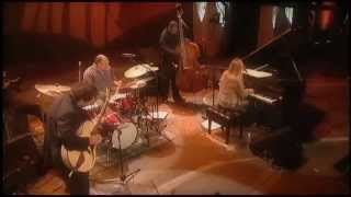 Diana Krall - Full Concert [Live](Wep: http://www.j21sessions.com SUSCRIBE: http://goo.gl/u7c037 Diana Krall - Full Concert Live Montreal, Canada. J21 Sessions Facebook: ..., 2013-06-02T18:06:18.000Z)