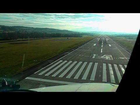 Noseview Landing in Zurich - Boeing 737 Classic